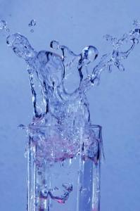 Beber água estimula a salivação